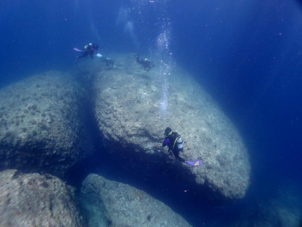 残波岬地形ダイビング|ブルーリーフ
