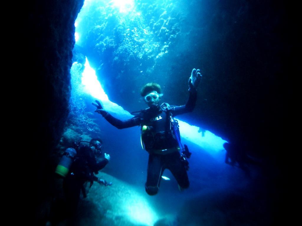 残波地形ダイビング|ブルーリーフ